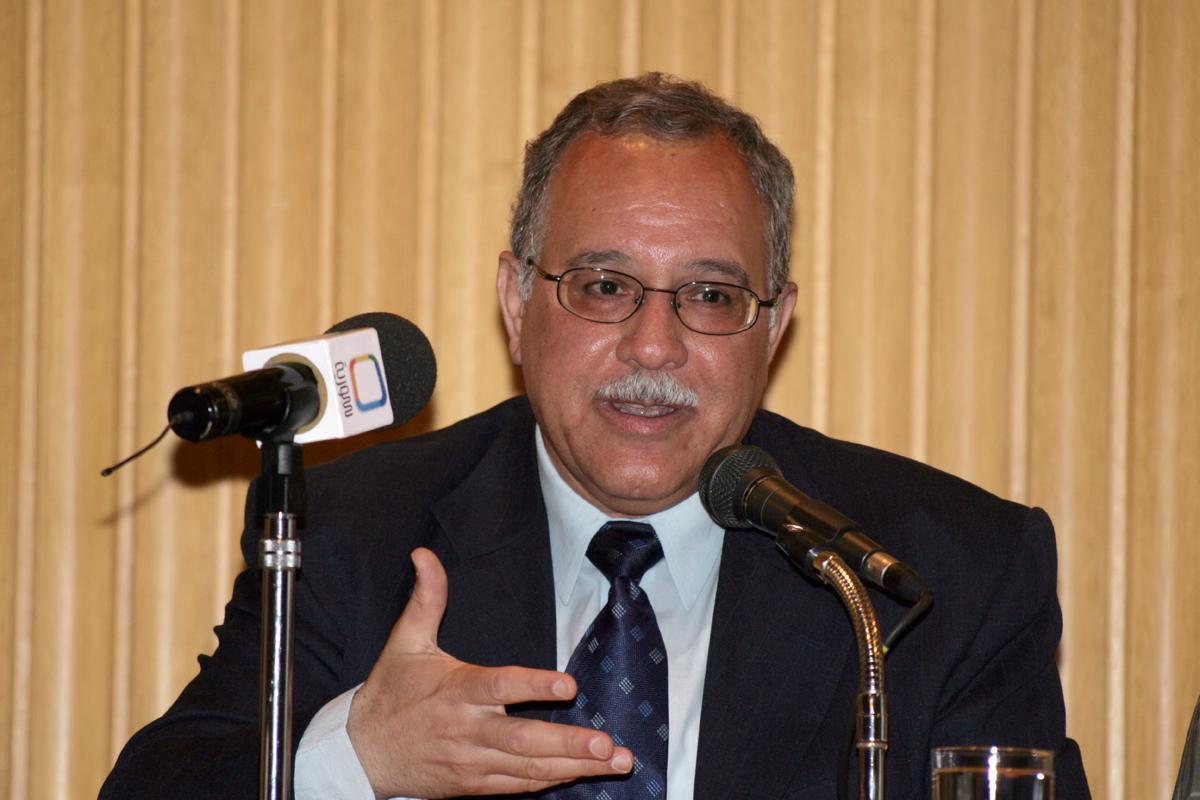 الدكتور نائل حنون